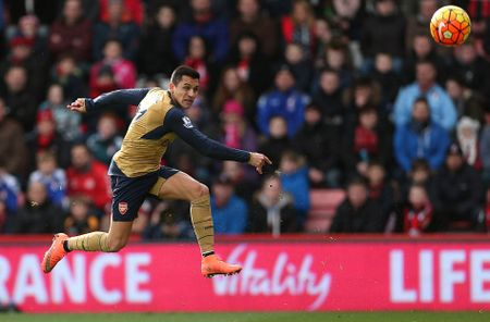Ha Bournemouth 2-0, Arsenal tro lai duong dua vo dich - Anh 8