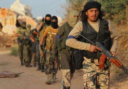 A rap dieu quan toi Syria chong IS, Trieu Tien lai phong ten lua - Anh 2