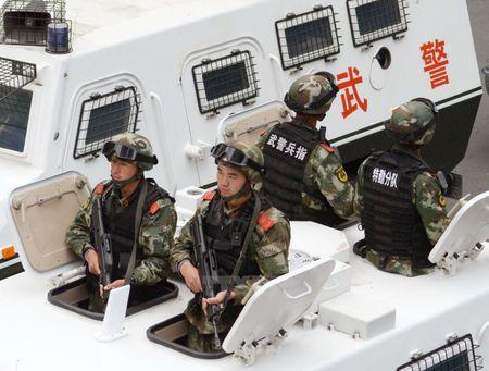 Trung Quoc chi 15.000 USD thuong nong nguoi to khung bo tren mang - Anh 1
