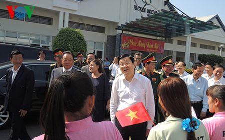 Chu tich nuoc Truong Tan Sang tham va chuc Tet nhan dan tinh Tay Ninh - Anh 2