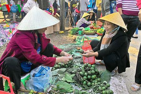 Net dep van hoa trong phien cho Tet lang My Loi, tinh Thua Thien Hue - Anh 2