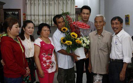 """Dau Xuan, tro chuyen voi """"nguoi tu te"""" Nguyen Than - Anh 3"""