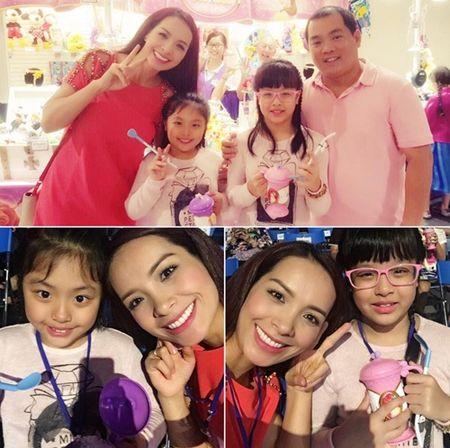 Me con Angela Phuong Trinh gian di di le chua - Anh 6