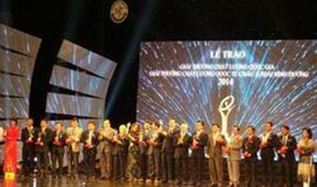 77 doanh nghiep duoc tang Giai thuong Chat luong Quoc gia - Anh 1