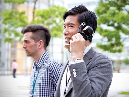 Tim hieu chi tiet ve chu robot kiem smartphone cua Sharp - Anh 14