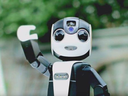 Tim hieu chi tiet ve chu robot kiem smartphone cua Sharp - Anh 6