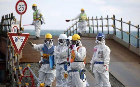 Nhat Ban truy to 3 cuu quan chuc lien quan den tham hoa Fukushima - Anh 1