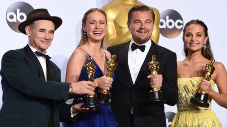 Leonardo DiCaprio va hanh trinh gianh tuong vang Oscar dau tien - Anh 1