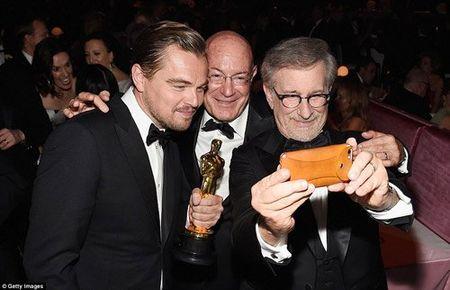 Hau Oscar, Leonardo qua vui quen ca tuong vang - Anh 3