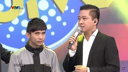 Tuan Hung roi nuoc mat song ca voi fan khiem thi - Anh 1
