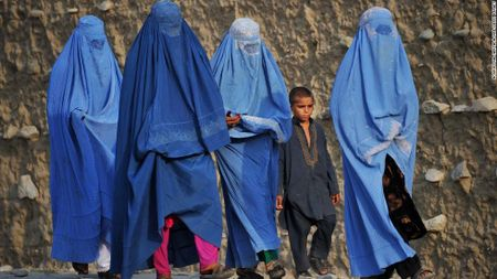 Ki quac kham trinh tiet phu nu, tre em o Afghanistan - Anh 1