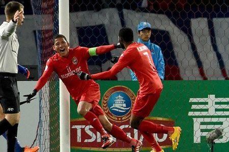 """Tan Truong khien B.Binh Duong """"do khoc, do cuoi"""" truoc Tokyo FC - Anh 1"""