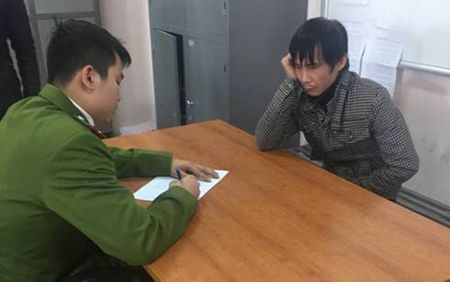 Khoi to lai xe Camry tong chet 3 nguoi - Anh 1