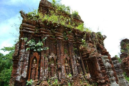 Touropia goi y 10 diem den an tuong nhat Viet Nam - Anh 9