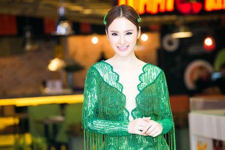 Ngat ngay nhan sac cua Angela Phuong Trinh tai su kien - Anh 1