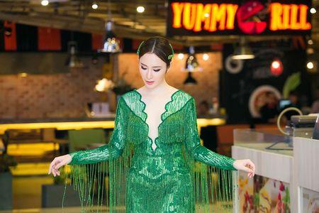Ngat ngay nhan sac cua Angela Phuong Trinh tai su kien - Anh 3