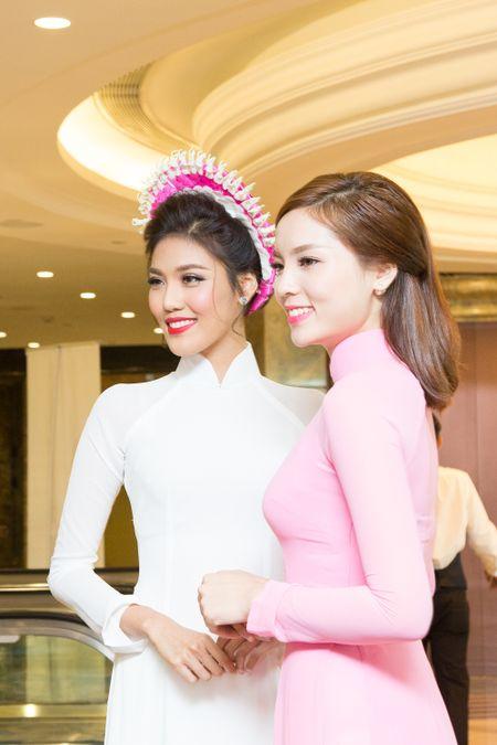 Hoa khoi Lan Khue lam dai su Ao dai quoc te - Anh 3