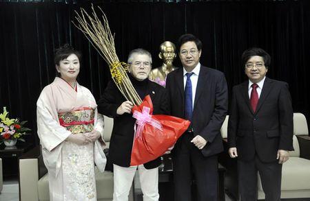 Vi sao so hoa anh dao duoc tang trong o Asia Park Da Nang? - Anh 1