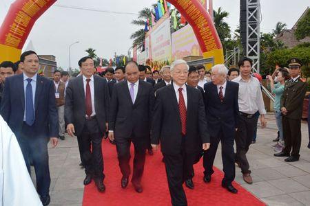 Cac dong chi lanh dao Dang, Nha nuoc du le Ky niem 110 nam Ngay sinh Thu tuong Pham Van Dong - Anh 2