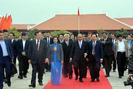 Cac dong chi lanh dao Dang, Nha nuoc du le Ky niem 110 nam Ngay sinh Thu tuong Pham Van Dong - Anh 4
