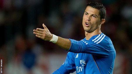 Phat ngon 'gay bao', Ronaldo tiep tuc bi Pho Chu tich Barca chi trich - Anh 2