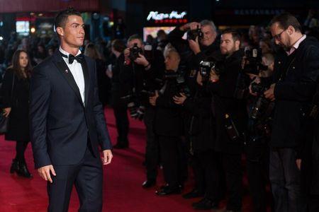 Ronaldo: Ke kieu ngao hay ke thu cua truyen thong - Anh 2