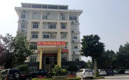 Phe binh Giam doc So Tai chinh Thanh Hoa bo nhiem con gai lam quan - Anh 1