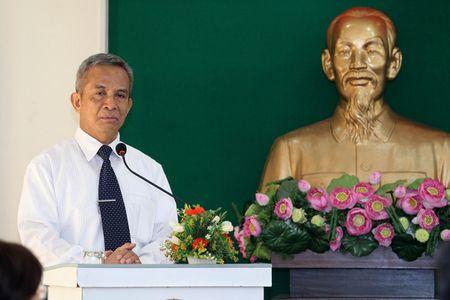 """Bi thu Dinh La Thang: """"Phai hieu luat moi bao ve duoc cong nhan"""" - Anh 2"""