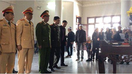 Tuong Chung chi dao xu nghiem vu xe Camry dam chet nguoi - Anh 2