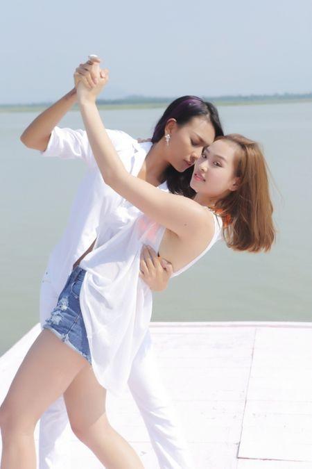 Dao dien Davina Hong Ngan ve nuoc lam phim dien anh - Anh 2