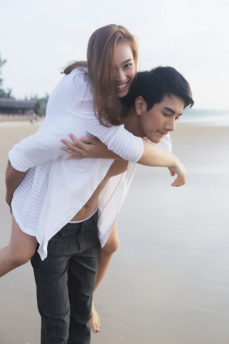 Dao dien Davina Hong Ngan ve nuoc lam phim dien anh - Anh 4