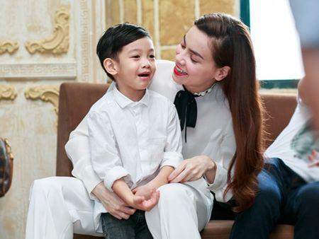 Chan dung 'nguoi dan ong' giup Ha Ho 'vuot bao' thi phi - Anh 2