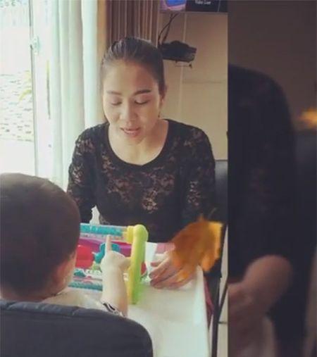 Thich thu voi clip Thu Minh hat tang con trai - Anh 1