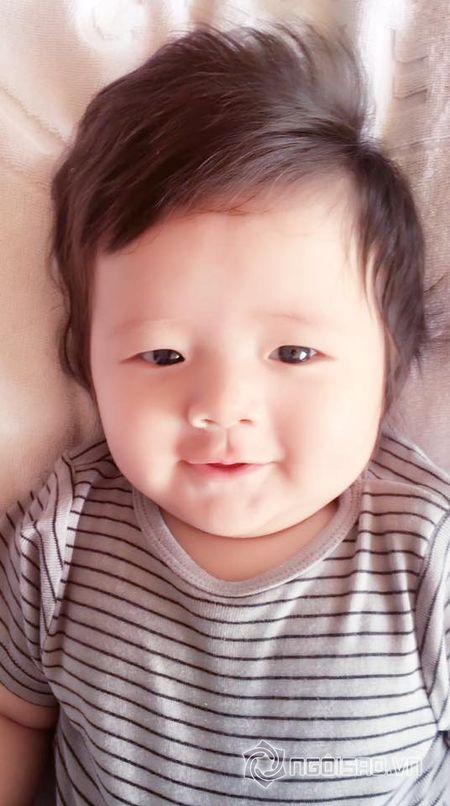 Con trai Elly Tran dang yeu nhu 'hoang tu nhi' - Anh 3