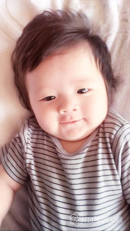 Con trai Elly Tran dang yeu nhu 'hoang tu nhi' - Anh 7
