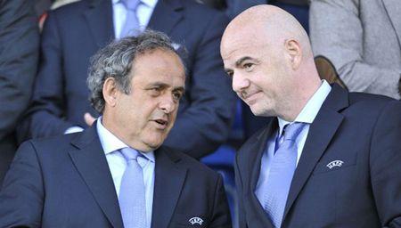 "Nghi an tan chu tich FIFA duoc Platini ""giat day"" - Anh 1"