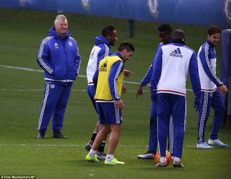 Cuc di: Chelsea hoi sinh nho... bong nem va rugby - Anh 1