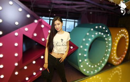 Nu sinh Bao chi cang day suc song voi trang phuc the thao - Anh 1