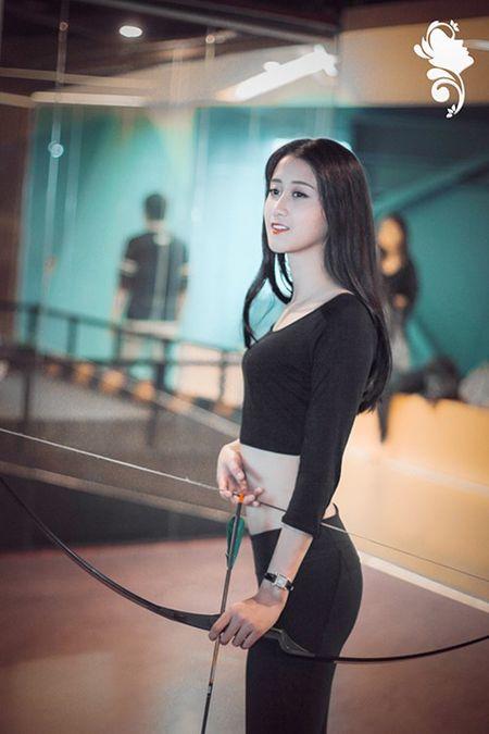 Nu sinh Bao chi cang day suc song voi trang phuc the thao - Anh 4