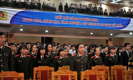 Doan vien Hoc vien An ninh soi noi thi dua Thang Thanh nien - Anh 3