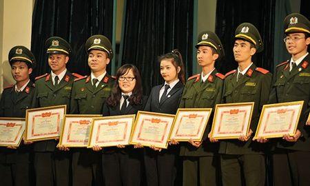 Doan vien Hoc vien An ninh soi noi thi dua Thang Thanh nien - Anh 6