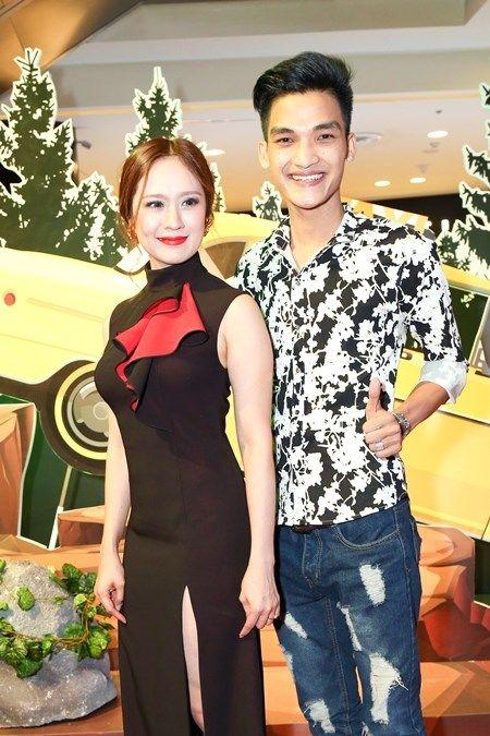 "Truong Giang - Nha Phuong tay trong tay ra mat phim ""Taxi, em ten gi?"" - Anh 11"