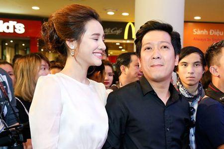 "Truong Giang - Nha Phuong tay trong tay ra mat phim ""Taxi, em ten gi?"" - Anh 1"