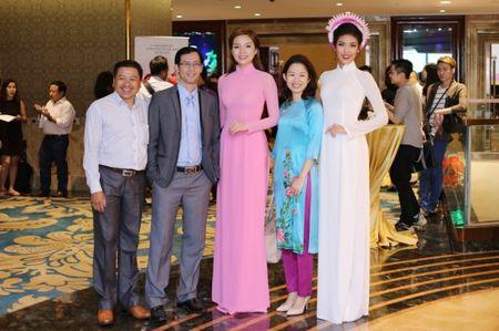 Hoa hau Ky Duyen 'do sac' ben dan chi Lan Khue - Anh 1