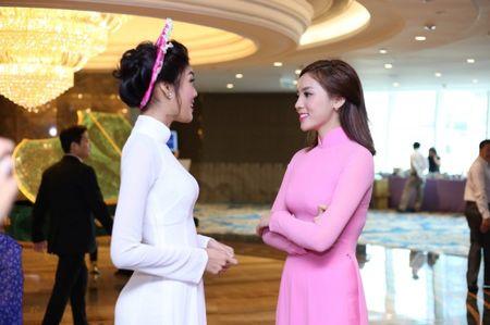 Hoa hau Ky Duyen 'do sac' ben dan chi Lan Khue - Anh 2