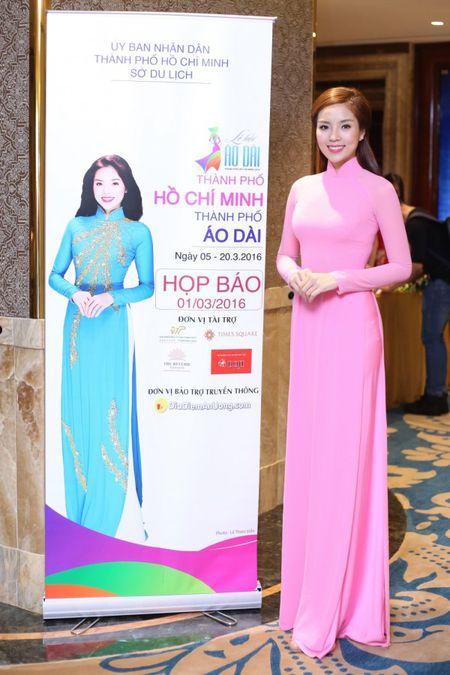 Hoa hau Ky Duyen 'do sac' ben dan chi Lan Khue - Anh 5