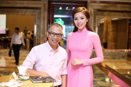 Hoa hau Ky Duyen 'do sac' ben dan chi Lan Khue - Anh 7