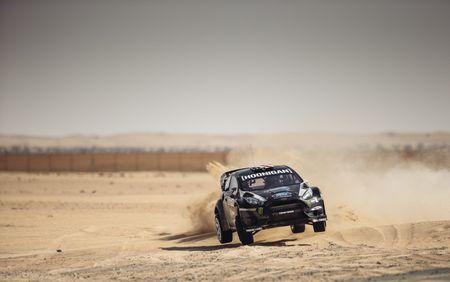 Man drift dao 1 ngay tai Dubai cung Ford Fiesta ST do - Anh 4
