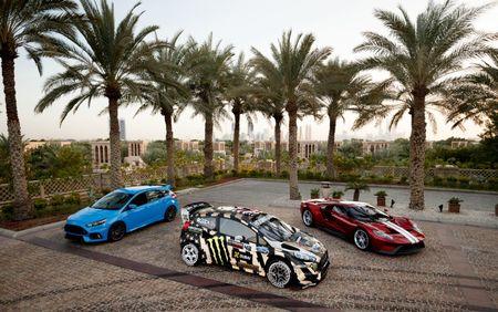 Man drift dao 1 ngay tai Dubai cung Ford Fiesta ST do - Anh 5