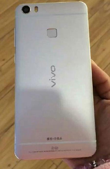 "Vivo XPlay 5 RAM 6GB ""lo hang"" truoc gio G - Anh 3"